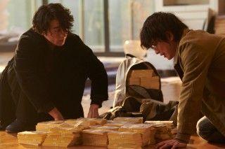 映画「億男」解説・考察|九十九の行き先、お金の正体、芝浜についてなど