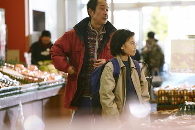 「万引き家族 映画」の画像検索結果