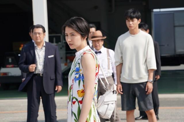 キャスト コンフィデンス 映画 マン jp