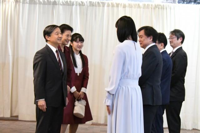 天皇皇后両陛下、愛子内親王殿下が鑑賞!チャリティ試写会イベント ...